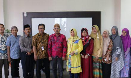 Studi Banding STIESA Subang ke Laboratorium Bank Mini FSEI IAIN Syekh Nurjati Cirebon
